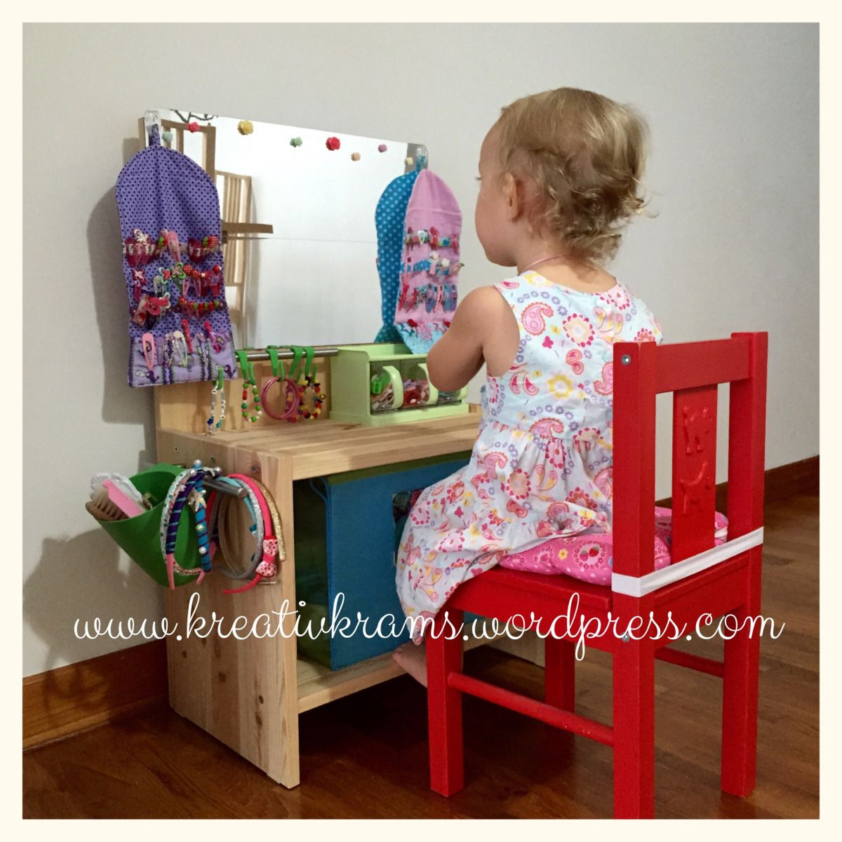 diy verkleide tisch kinderzimmerideen. Black Bedroom Furniture Sets. Home Design Ideas