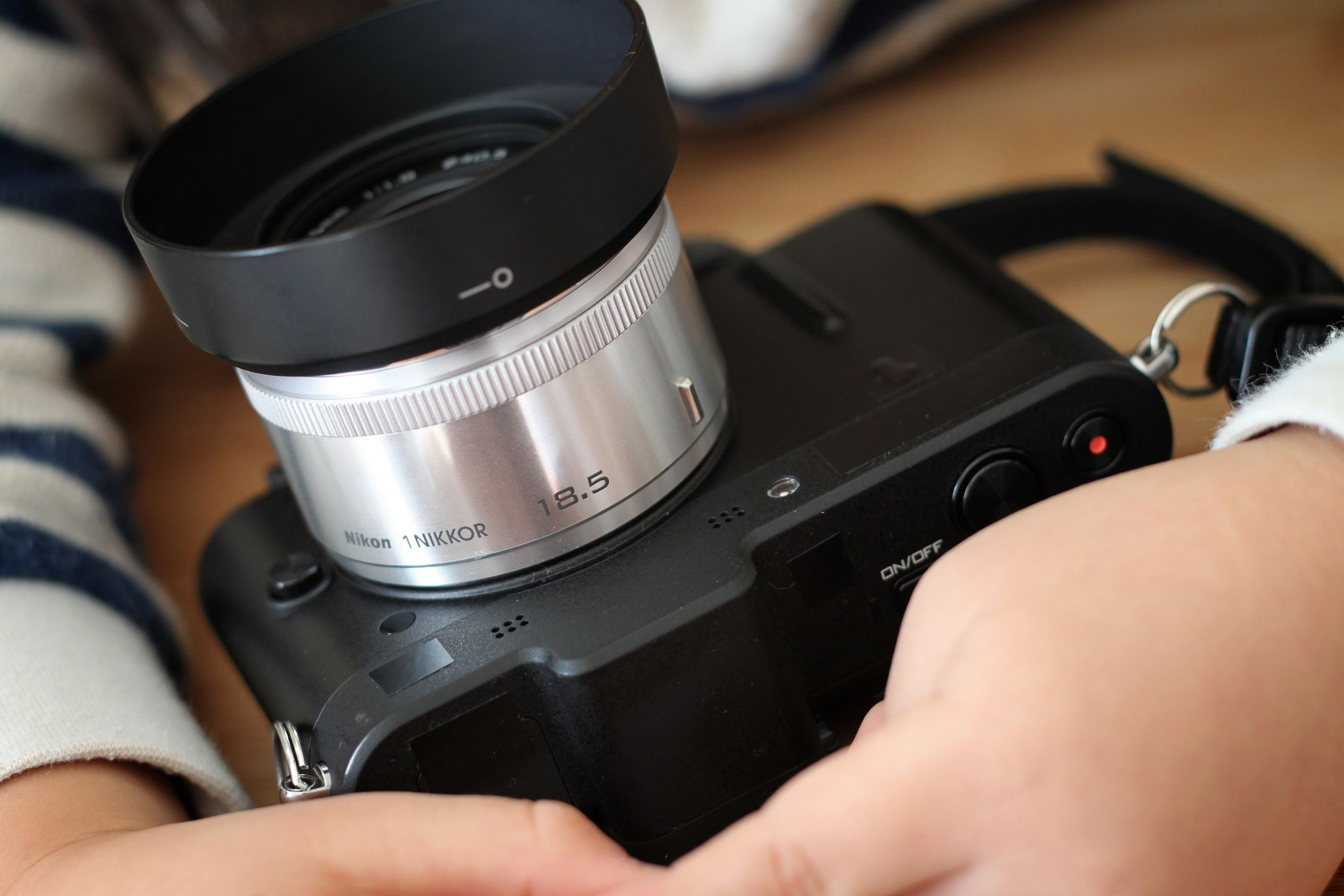 Nikon V1 1 Nikkor 18 5mm F 1 8 Nikon 5mm F 1