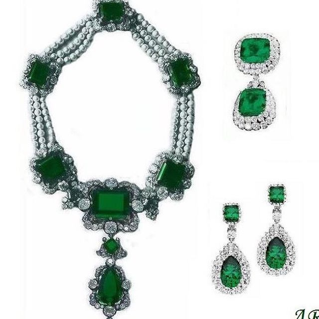 The Queen of Italy's spectacular emerald, diamond and pearl parure (minus the tiara which was dismantled by Queen Margherita). The set came into the ruling Savoy family in 1841, apparently acquired from an Austrian jeweller, Delsotto.  The emeralds were taken into exile by the royal family after World War II and some pieces were subsequently sold.  #emeralds#italy#diamonds#pearls#queenmargherita #royalty#19thcentury #antique #opulence#greatjewelrycollectors#jewellery#jewelry#emeraldnecklace