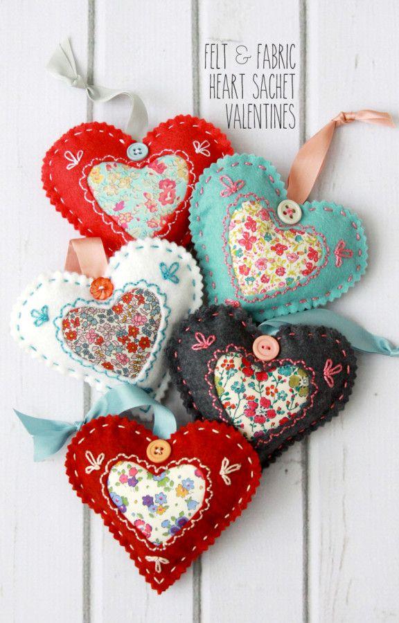 Felt And Fabric Heart Sachet Valentines Artesania De San Valentin Corazon De Tela Corazones De Fieltro