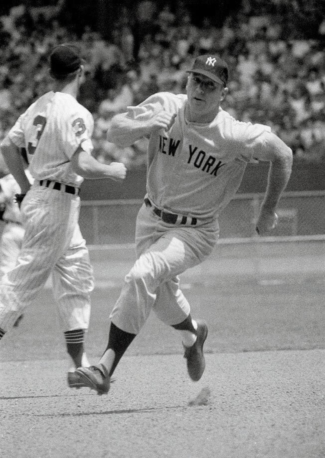 Mickey Mantle Heads For 3rd Base During During 1959 Yankee Indians Game In Cleveland Yankees Indians Mickey Mantle Baseball History New York Yankees Baseball