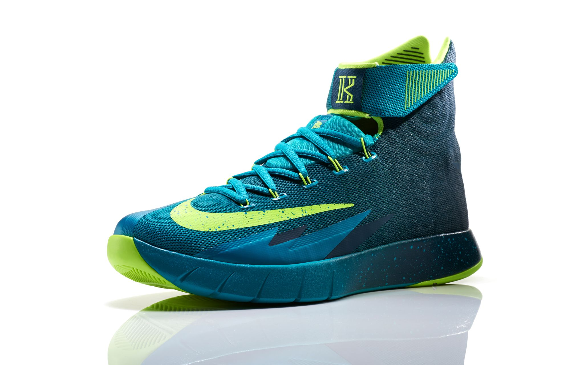 00a7481920ab Nike Zoom HyperRev Kyrie Irving