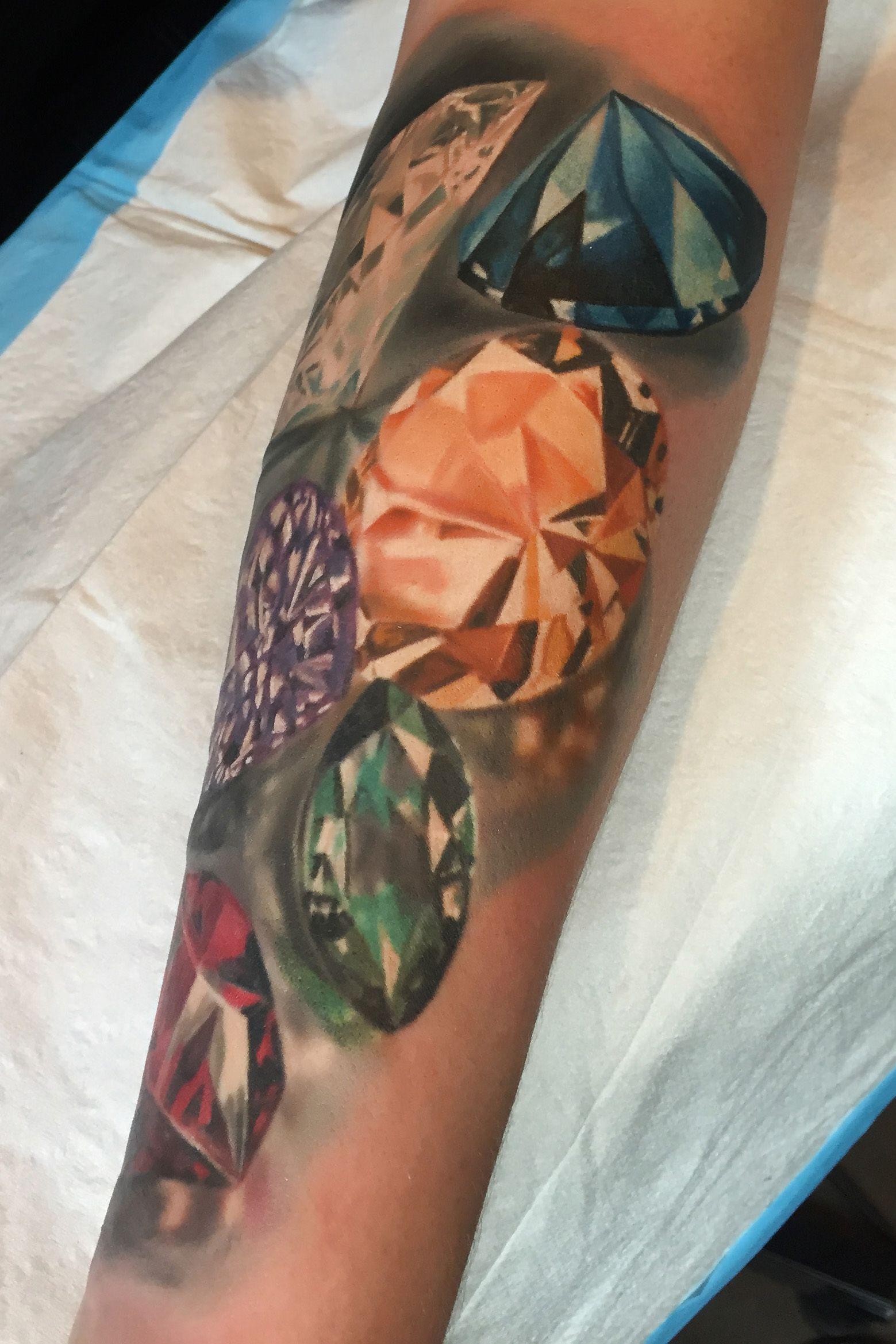 Realistic Gems Tattoo By Monte Livingston At Living Art Gallery Tattoo Lounge In San Clemente Ca Diamondtattoos Gemta Gem Tattoo Pearl Tattoo Tattoo Lounge