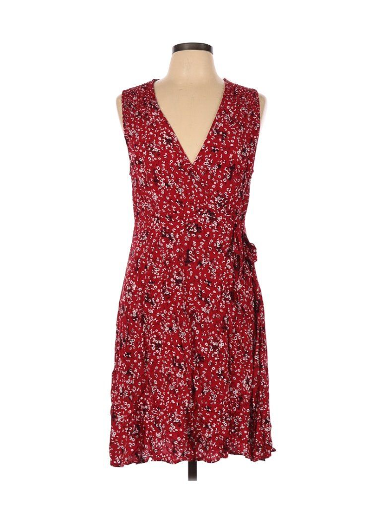 Photo of Universal Thread Casual Dress – A-Line: Red Floral Dresses – Used – Size Large