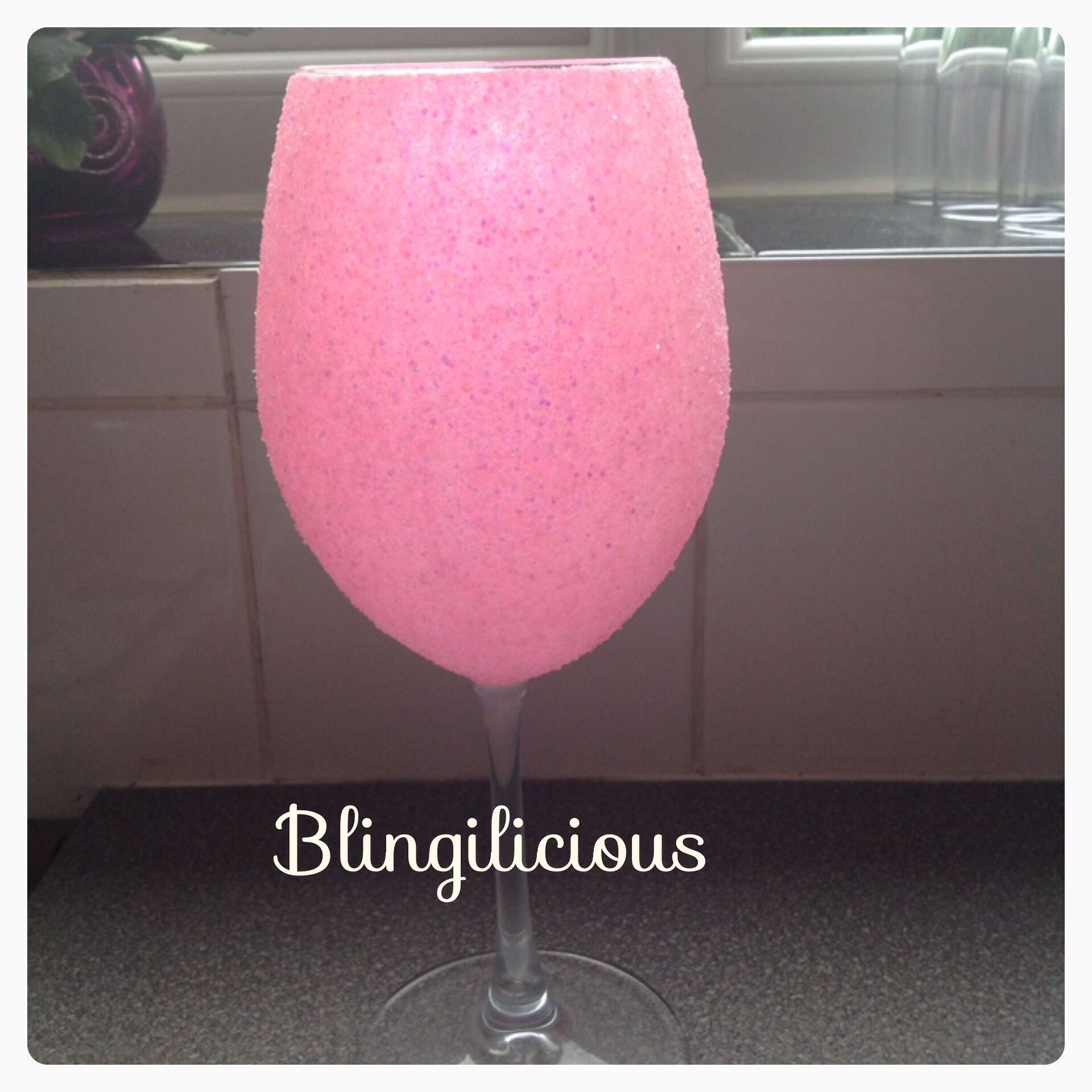 Chunky hot pink extra large wine glass