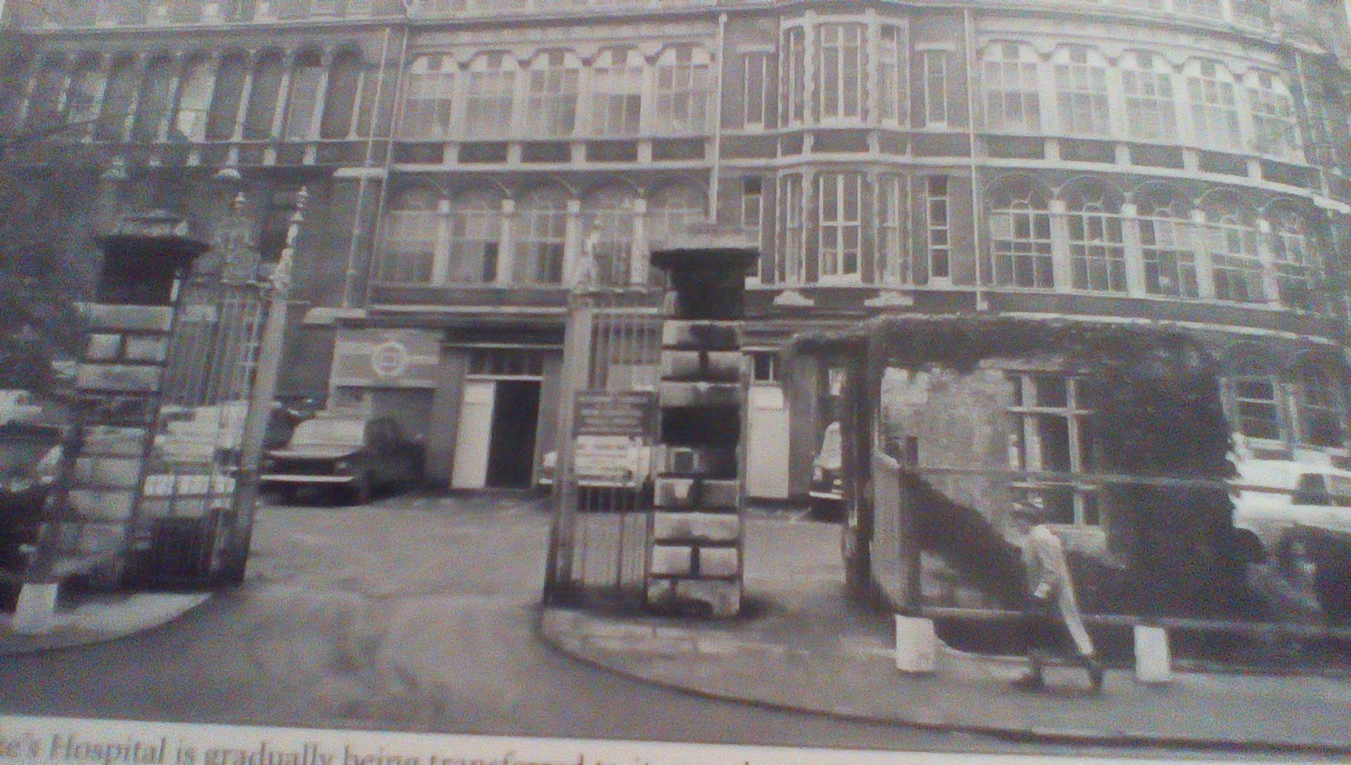 Old Addenbrookes, Trumpington St Home and surrounding