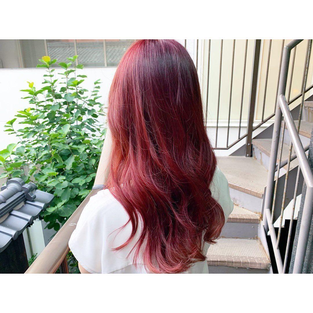 韓国人風 ブリーチはしてません ブリーチなし ダブルカラー ローズピンク チェリーレッド レッド ピンク ピンクヘア E Long Hair Styles Hair Styles Hair