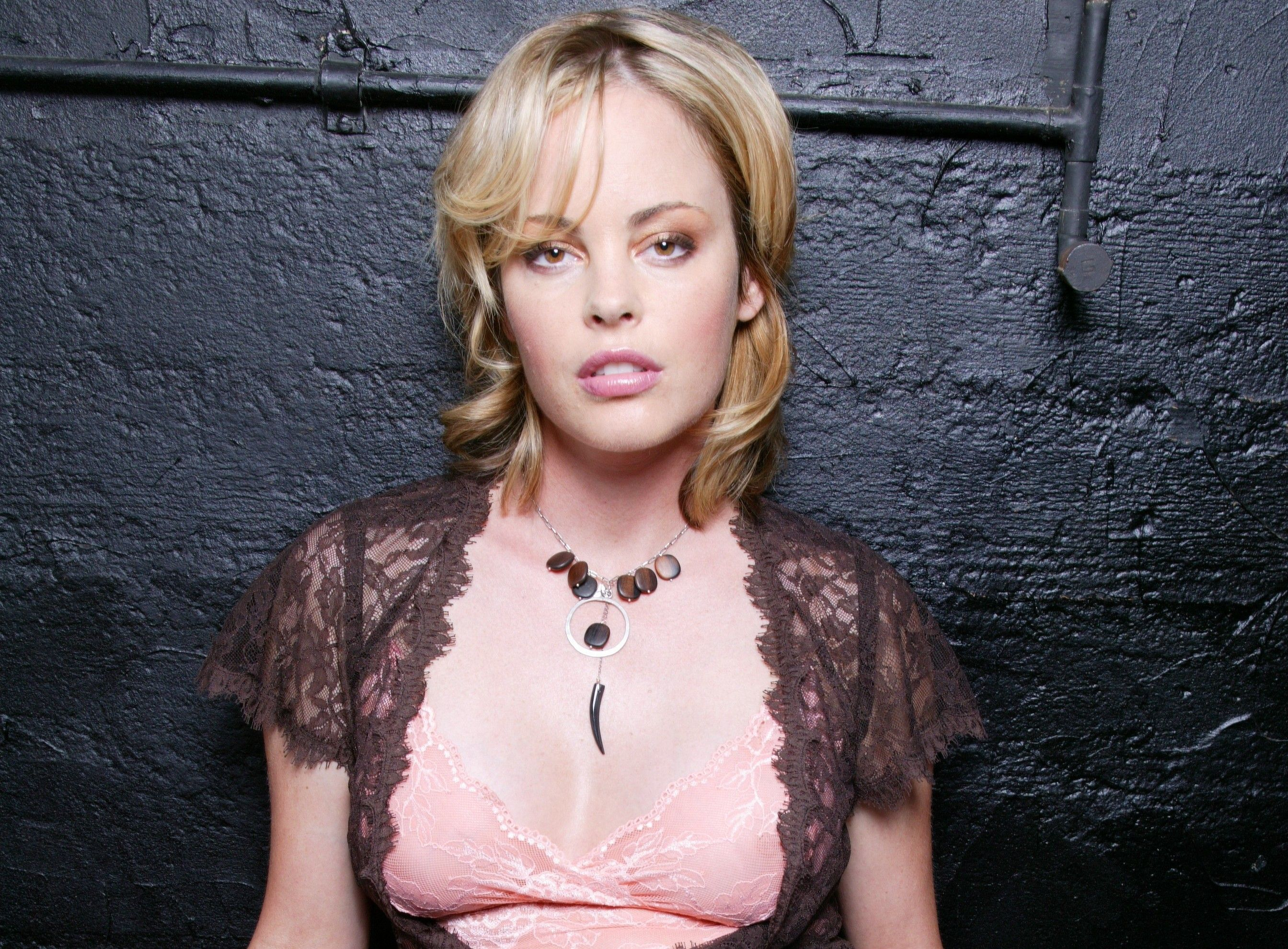 Chandra West Nude Photos 32