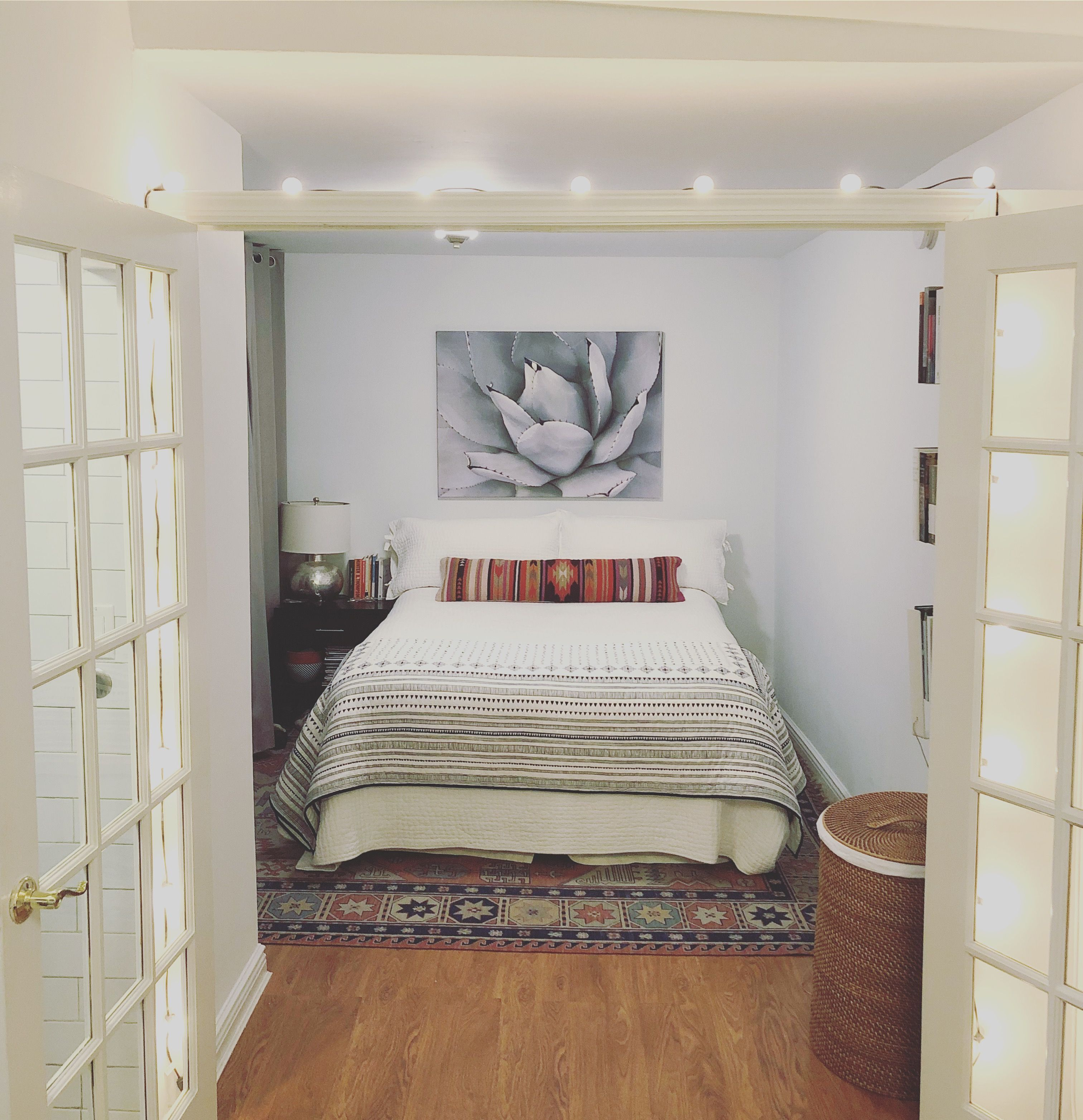 A 250 Square Foot Nyc Studio Is Tiny But Tidy Small Spaces Small Space Living Home