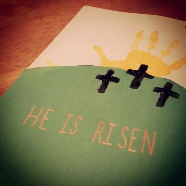 2 mentions J'aime, 0 commentaires - @sundayschoolcrafts sur Instagram: «#Easter 🐰 #resurrectionday #sundayschool #craft yellow paint for handprint, green construction…»