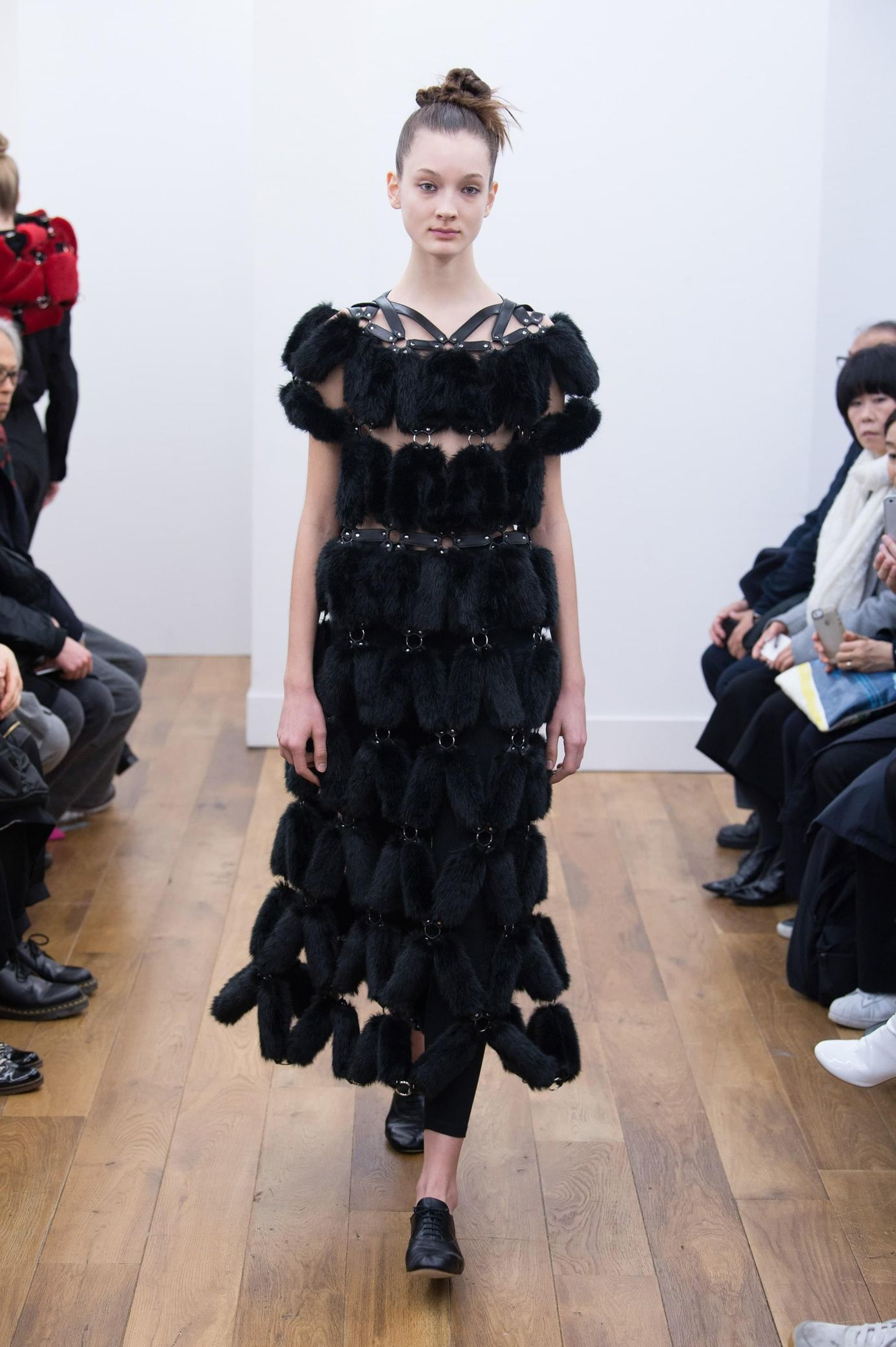 Robe noire pret a porter
