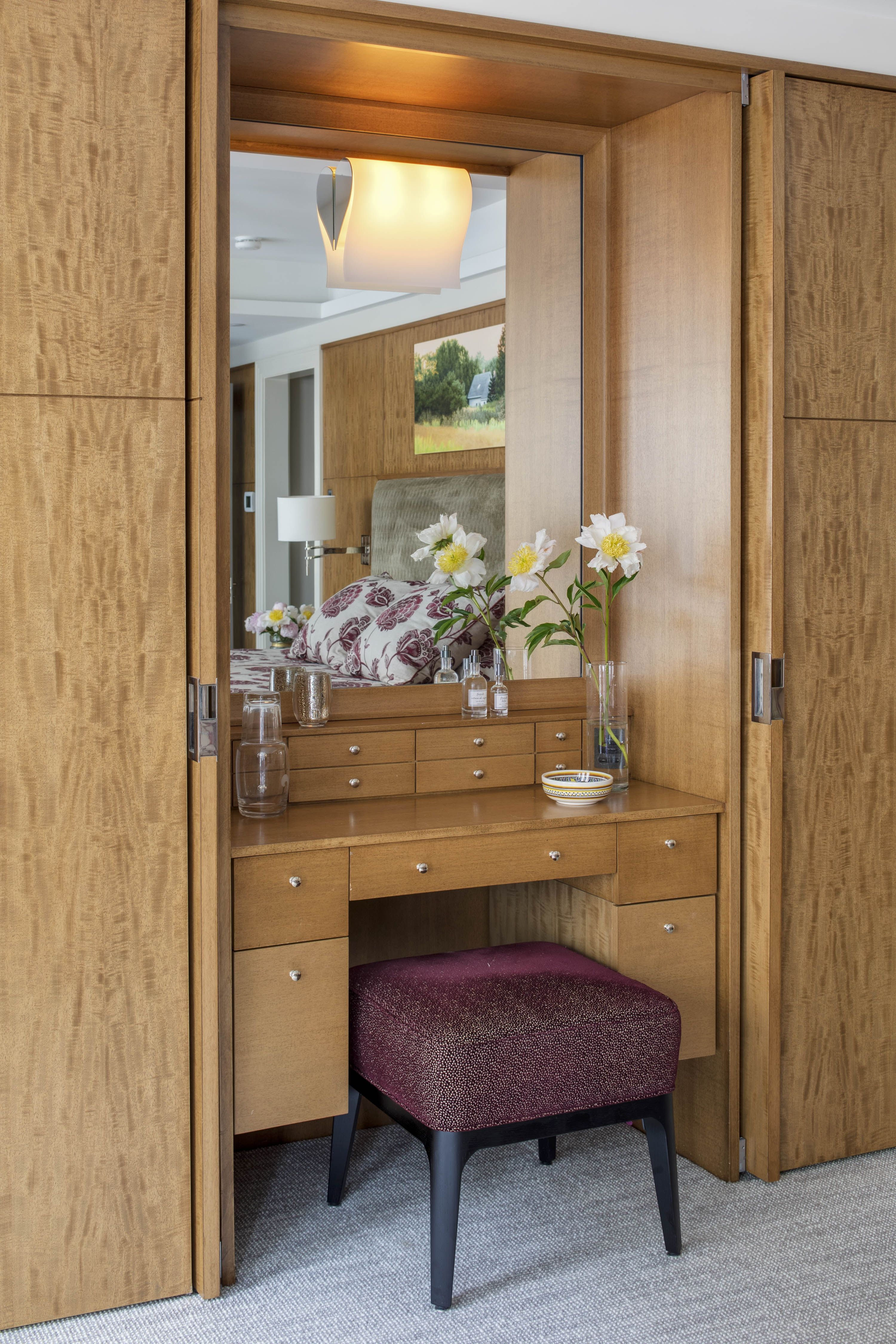 official photos 9cef4 8e9e8 Custom Dressing Table in Stained Anigre by Huth Architects ...