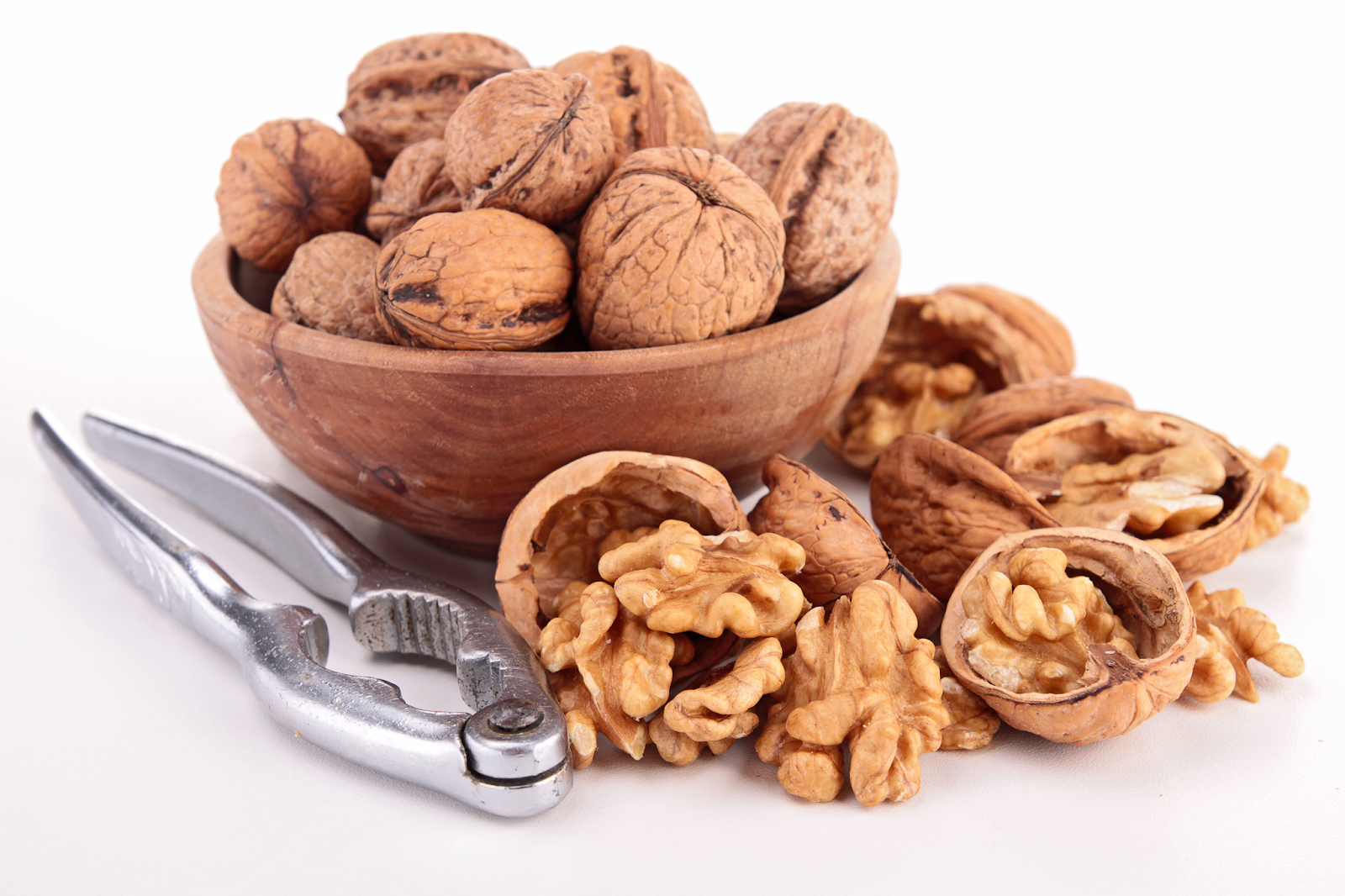 Nueces te librarían del cáncer de colon