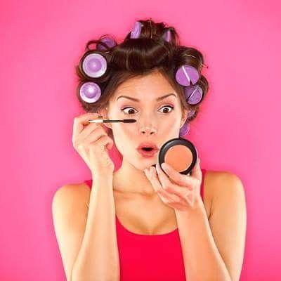 Selfies impulsionaram o crescimento do mercado de maquiagem em 2016 na América latina.  As vendas de produtos de maquiagem premium cresceram 23% na América do Sul em 2016 (com crescimento de 9% para produtos de cuidados de pele premium e 13% para fragrâncias). A tendência é muito parecida na maioria dos mercados (EUA e Europa) com os consumidores atraídos em produtos que podem melhorar sua aparência instantaneamente como as maquiagens O crescimento das selfies nas mídias sociais desempenham…