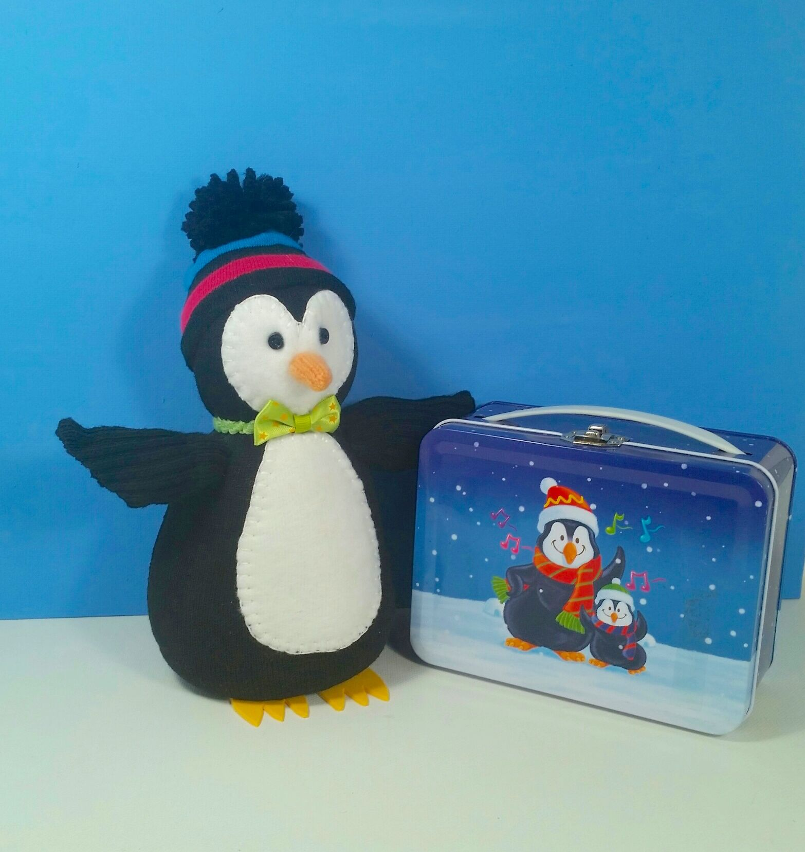 Using a black sock i made this penguin to go with my sock snowmen using a black sock i made this penguin to go with my sock snowmen and solutioingenieria Image collections