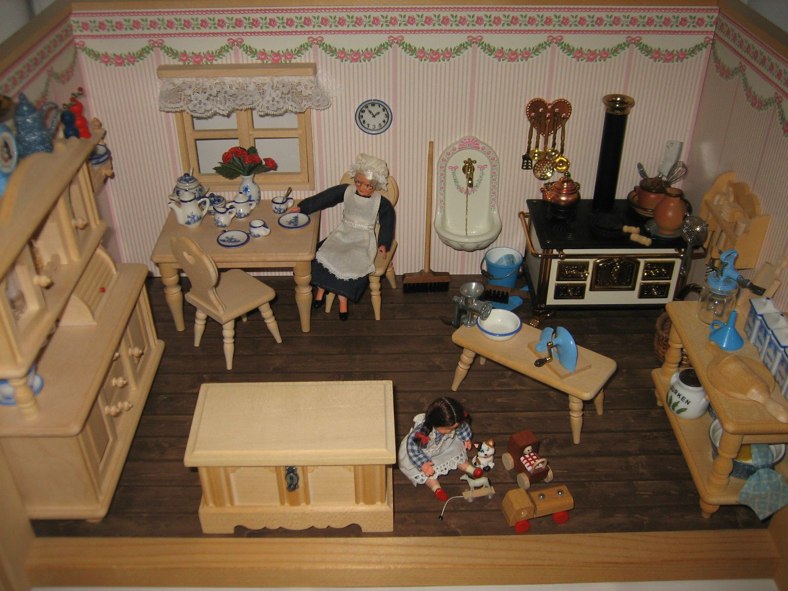 nostalgische puppenstube k che miniatur m bel geschirr bodo hennig wie neu ebay. Black Bedroom Furniture Sets. Home Design Ideas