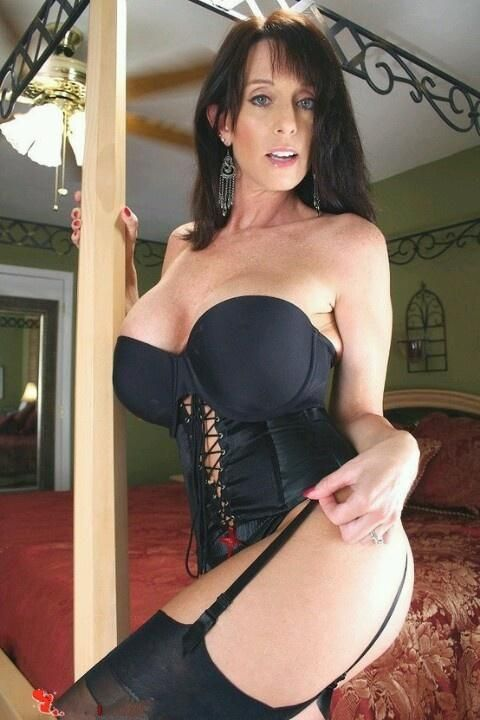 Best brunette milf