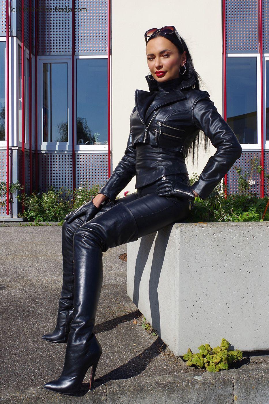 leather domina full