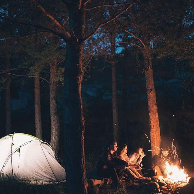 поделиться ретро фото лампово костер палатка массивных элементов