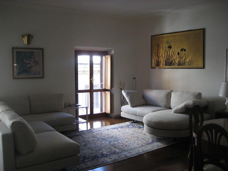 Nostro recente restauro divani B&B modello SITY. Rivestimento ...