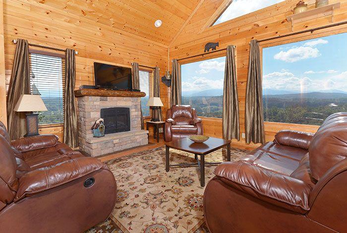 Villa Bellissimo - Bedroom 1 #tennessee #cabin #cabinrental #vacation #mountains #smokymountain #pigeonforge #TN