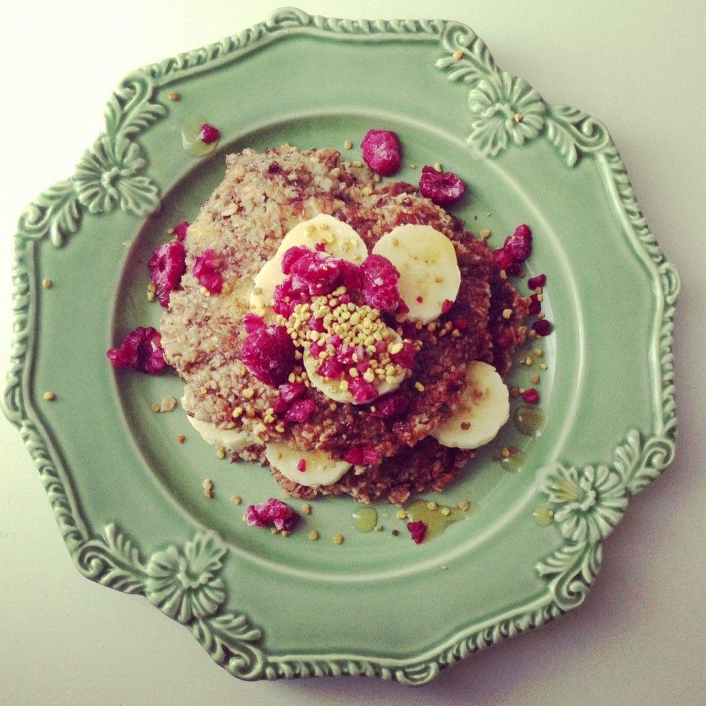 Vegan Breakfast Pancakes For The Whole Family - My Wholefood Romance #vegan #breakfast