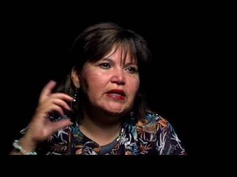 "[VIDEO] Valiente madre de niño ""inviable"" encara a ministras por aborto en Chile"