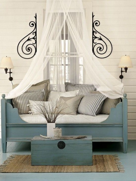 Chic And Glamorous Outdoor Living Spaces | Daybed design ... on Living Spaces Outdoor Daybed id=67134