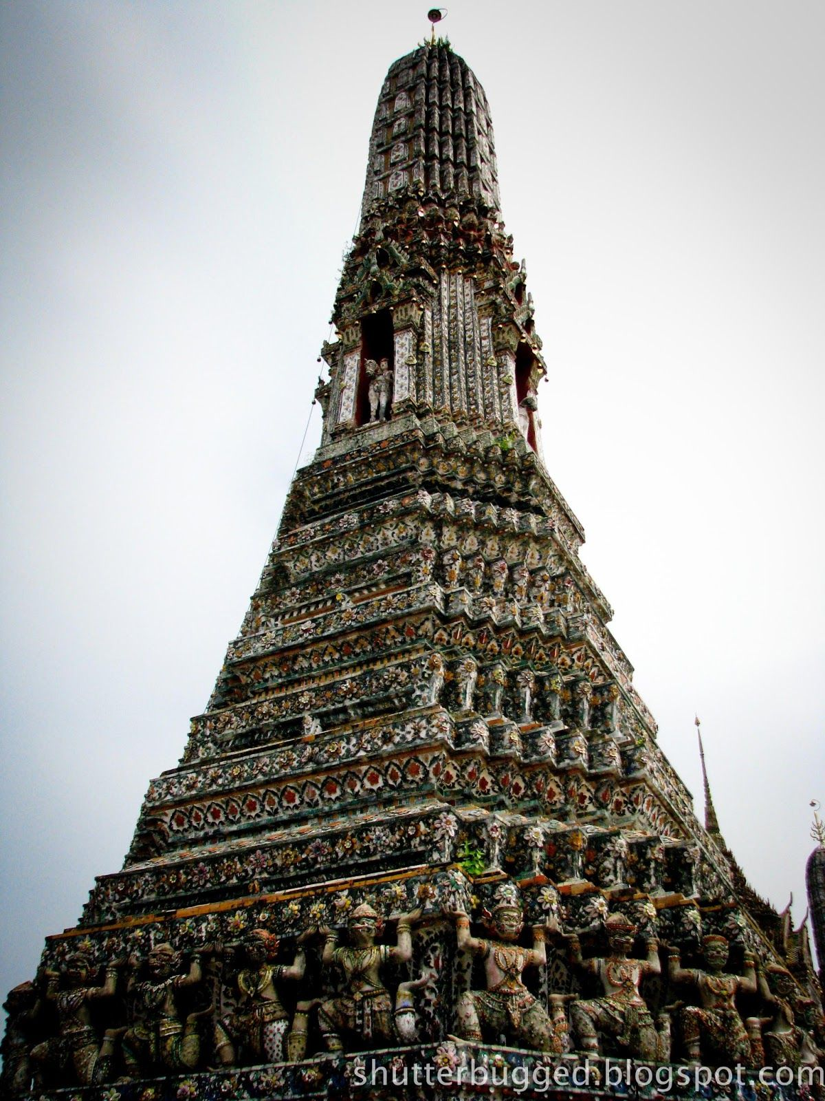the tempel of dawn pagoda