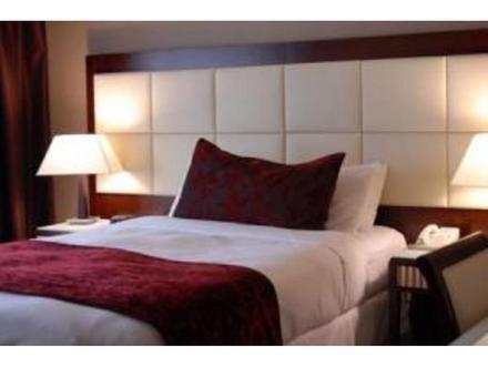 Cabecera con moldura chocolate acolchado cuadros - Cuadros cabecera cama ...