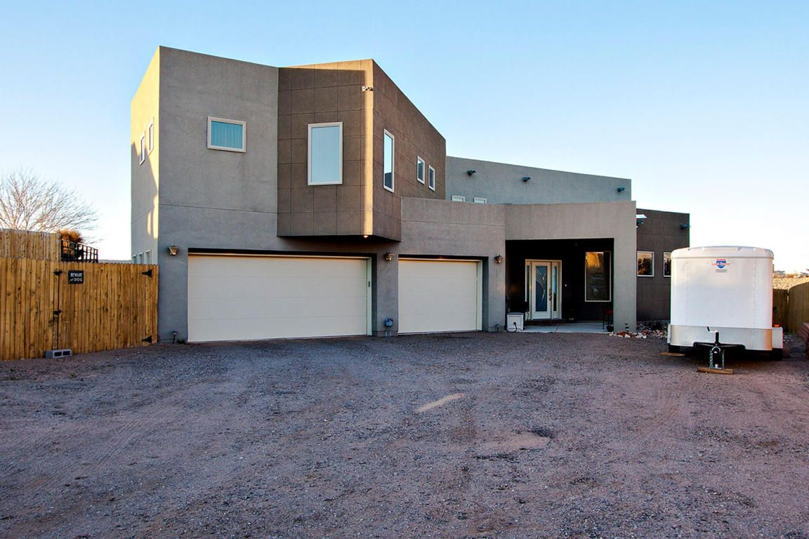 http://www.abqmoves.com/search/details/241/0/  3 bedrooms / 3 bathrooms / AbqMoves.com / 3,400sqft / 5731 MILLER Rd NE- CUSTOM home on 1/2 acre with VIEWS! (Rio Rancho, NM) / Mike Bigelow 505-688-5363 / How much is your Rio Rancho, NM house worth? / Homes for Sale Rio Rancho NM / Bigelow Real Estate 505.899.0345