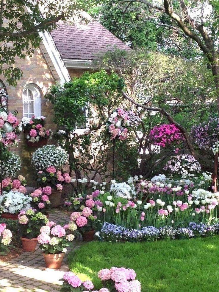 85 Beautiful Cottage Garden Ideas To Create Perfect Spot Schoner Blumengarten Blumengarten Design Fruhlingsgarten