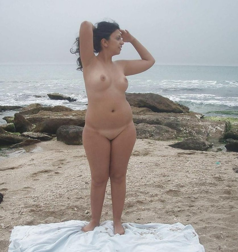 beach on girl naked
