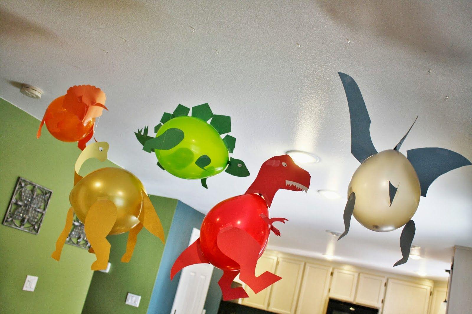 ballon dinos als deko basteln dinos geburtstag party ideen dinosaurier geburtstag und. Black Bedroom Furniture Sets. Home Design Ideas