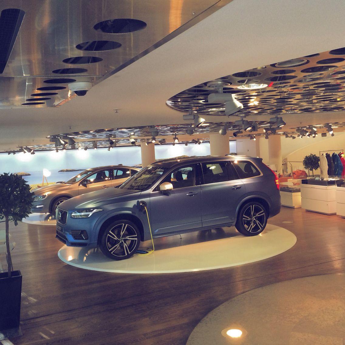 Volvo Dealers Pa: Volvo Car Showroom In Central Stockholm.