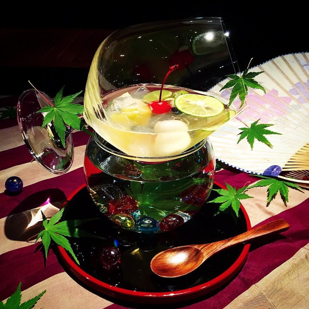 Pin by mei on 食 | Alcoholic drinks. Punch bowls. Rose wine