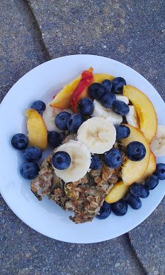 Zucchini Baked Oatmeal with Fruit - need a healthy way to use up your zucchini? this is it! #vegan #glutenfree