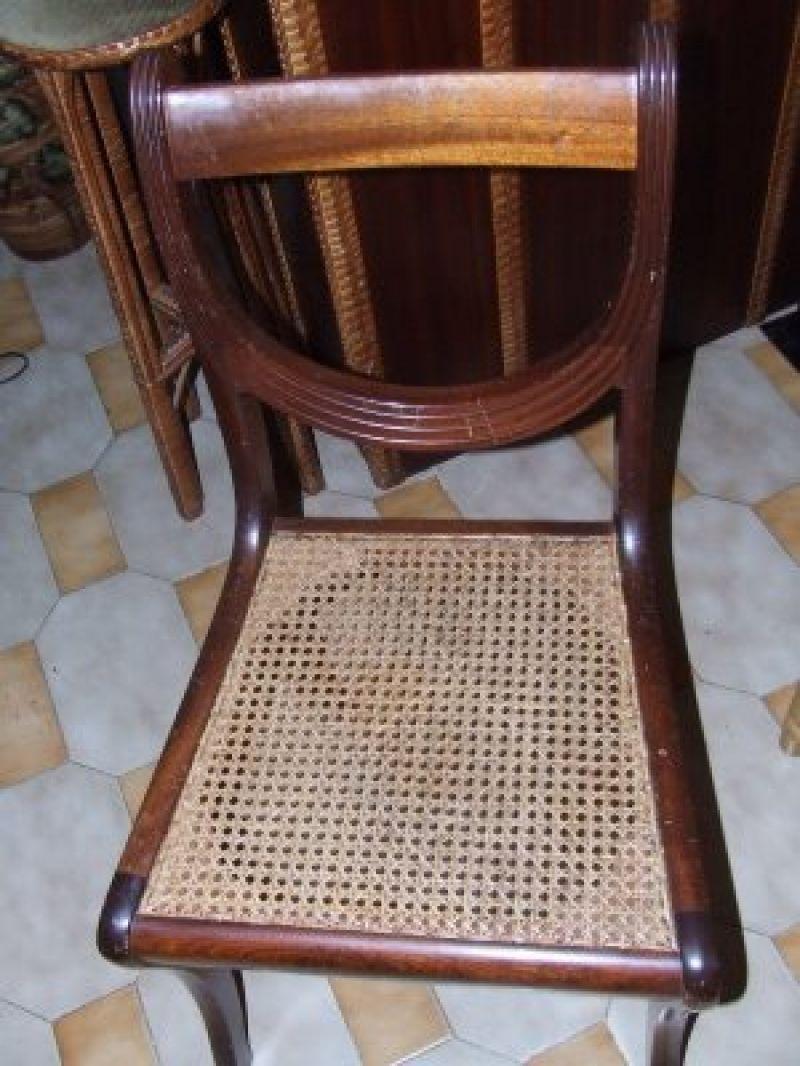 Empalhar, como fazer assentos novos em cadeiras de palhinha  Saiba como fazer mais coisas em http://www.comofazer.org/casa-e-jardim/bricolage/empalhar-como-fazer-assentos-novos-em-cadeiras-de-palhinha/