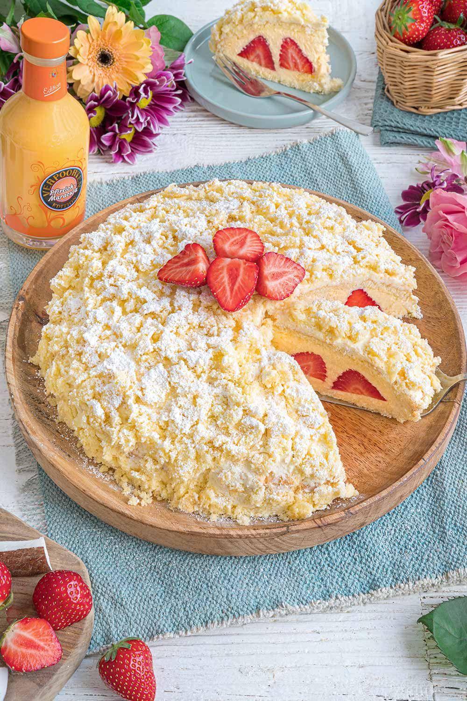 Kokos-Erdbeer-Torte mit Verpoorten Pfirsich-Maracuja - Kuchenrezepte mit Eierlikör