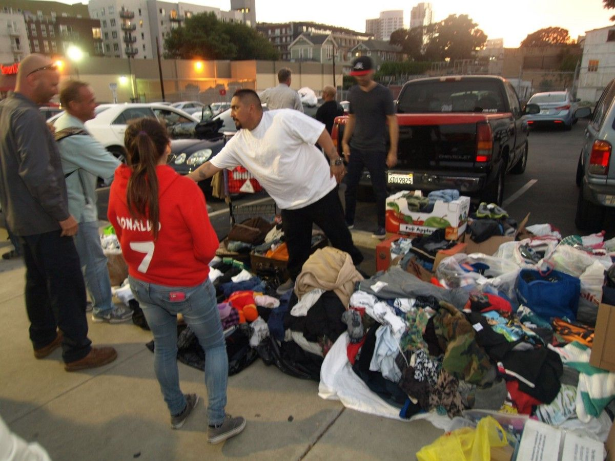 How To Set Up A One Person No Budget Donation Drive For Homeless People In Your Town Donation Drive Donate Clothes Homeless People
