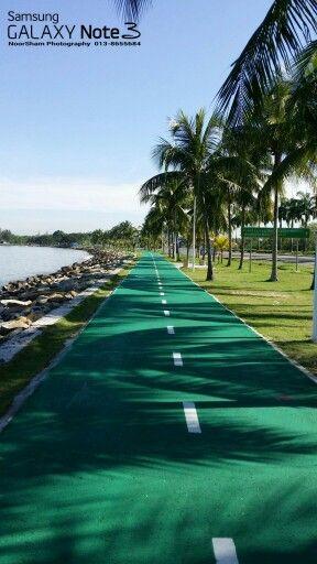 Cycling and jogging  way at Likas Bay, Sabah.