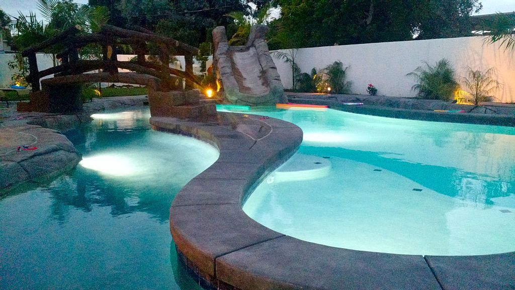 8 Bedroom Pool Flowing Lazy River Water Slide Near Disneyland Private Oasis Sherwood Forest And Thistle Development Lazy River Pool Pool Modern Hot Tubs