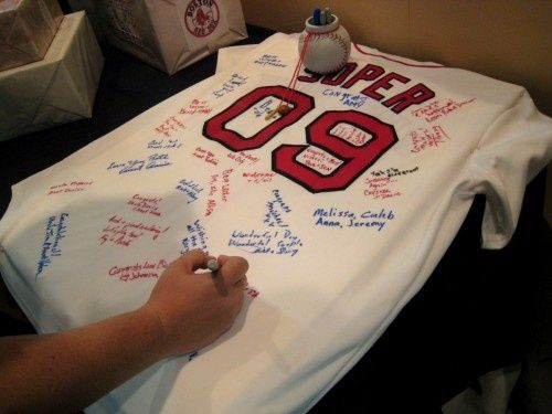 Baseball Party - Have guests sign a jersey for the birthday boy game-on-sports-celebrations