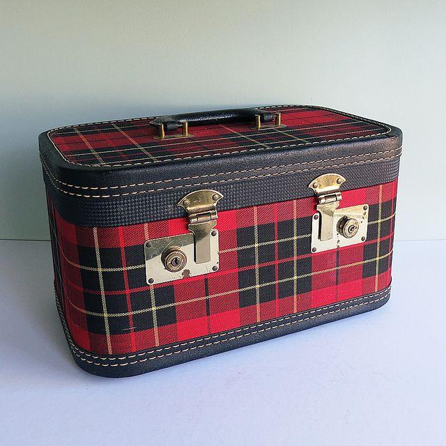 Vintage Tartan Plaid Train Case