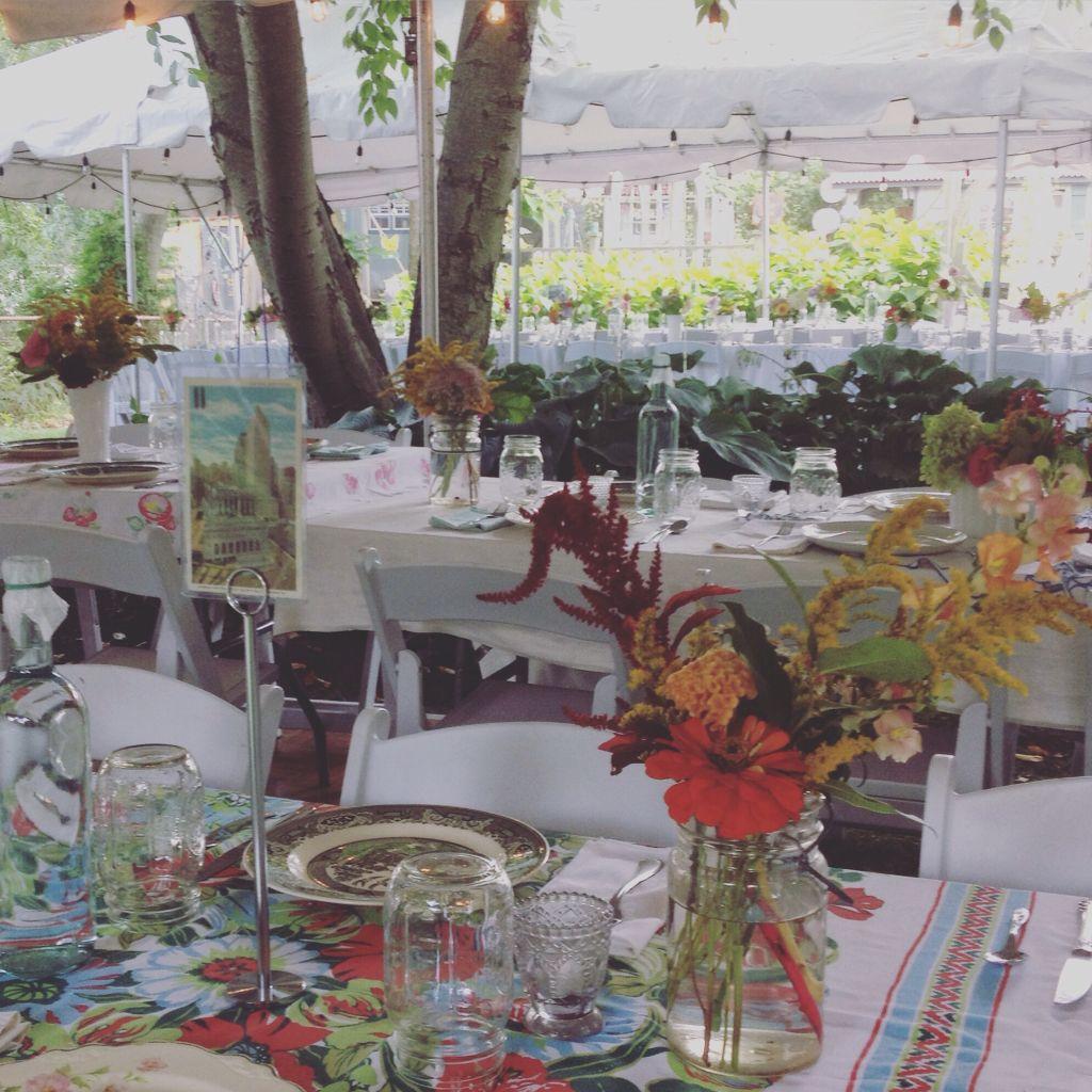 Home Decor Pittsburgh Pa: Intimate Garden Wedding. Location: Choderwood, Pittsburgh