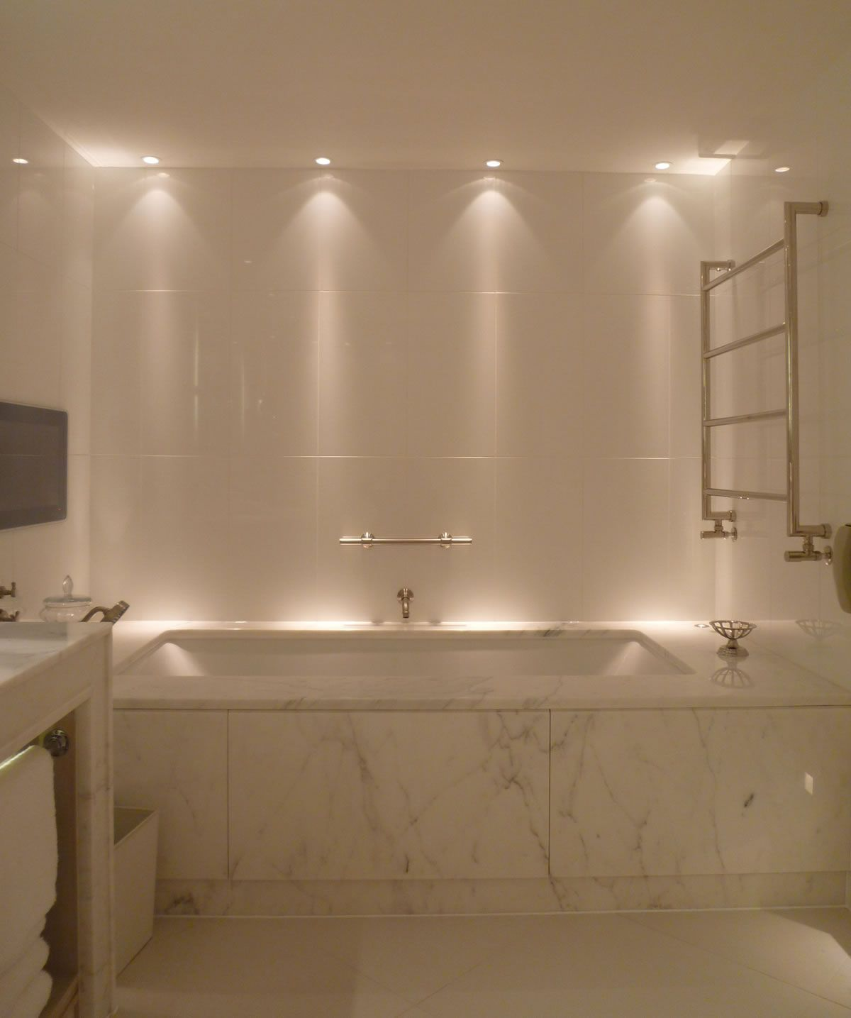 13 Dreamy Bathroom Lighting Ideas: Bathroom Lighting Design