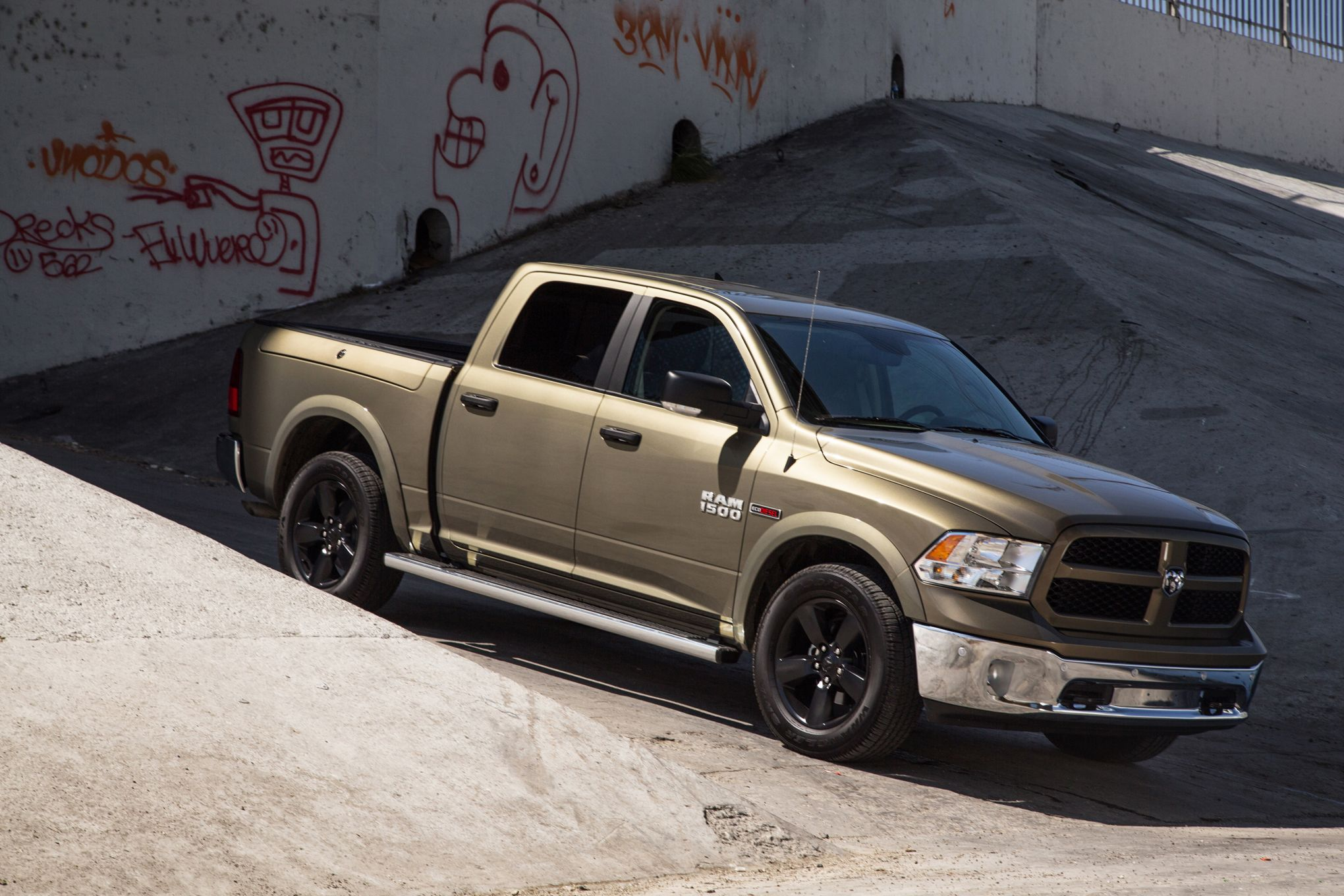 en front sale first trend ecodiesel ram news view for drive laramie motor dodge