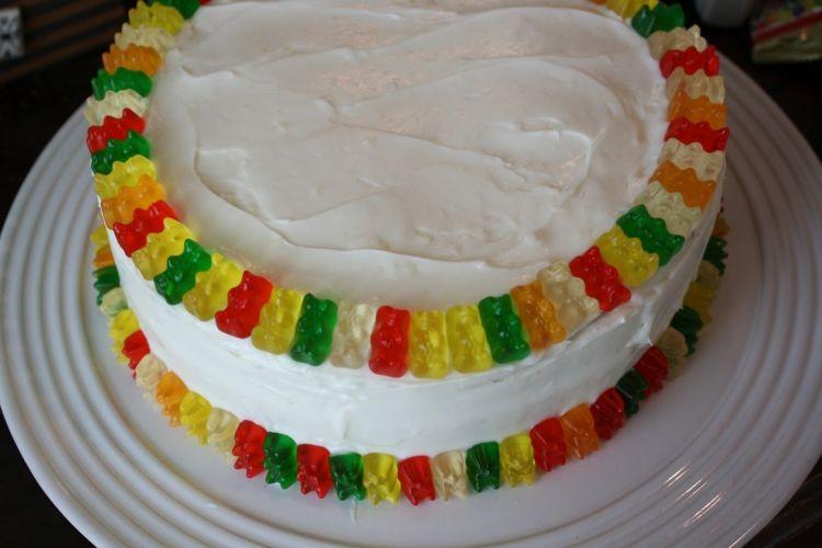 Fruchtgummi Torte Topping Weiss Creme Haribo Suessigkeiten