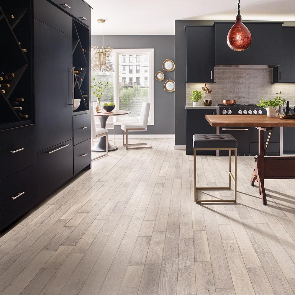 Bruce Revolutionary Rustics Oak Cloud Land 3 4 In T X 5 In W X Varying L Solid Hardwood Flooring 23 5 Sq Ft Case Sakhd59l401x The Home Depot In 2020 Solid Hardwood Floors Cheap