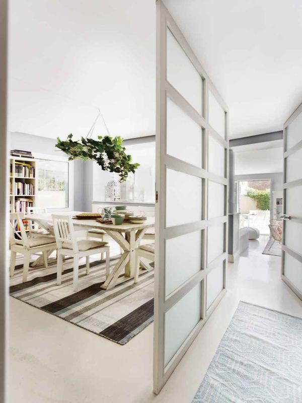 Todo en dos niveles puertas correderas de cristal - Salones con dos ambientes ...